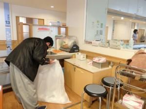 老人ホーム清掃作業 (2)