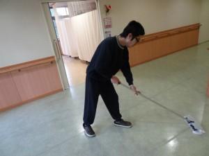 廊下清掃↑
