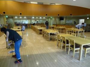 食堂清掃作業